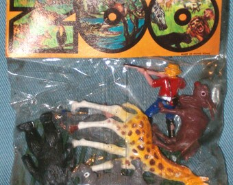 Vintage 1960's Zoo Animals Unopened Package Plastic Toy NIP Giraffe   Novelty Dimestore Dime Store