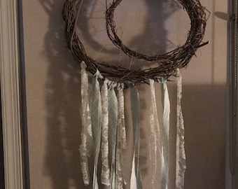 Moon wreathe with lace and mint fabric