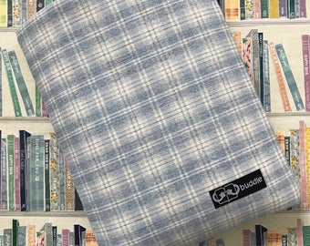Buddle, small, padded book cover/sleeve (gingham)