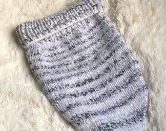 Knit Scarf Handmade / Knit Scarf / Bandana Scarf Women's/ Triangle Scarf / Triangle Scarf Women / Knit Triangle Scarf / Handkerchief Cowl