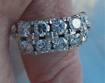 Sparkling diamond engagement ring with 2 rows of diamonds