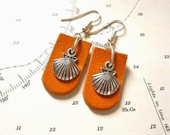 Camino de Santiago earrings - concha scallop shell on leather