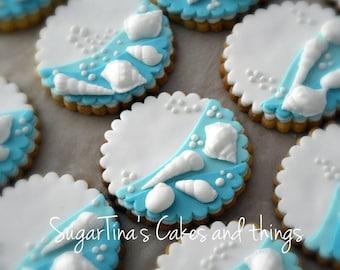 Seashells on sugar cookies