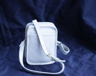 Vintage Coach Ivory Camera Bag Crossbody Style 9973