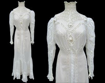 Beautiful Circa 1900's Vintage White Lawn and Lace Gown!