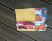 Jolie couverture avec une petite trousse intégrée pour carnet A5 type Bullet Journal