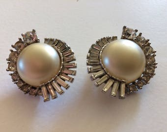 HATTIE CARNEGIE * Amazing Pearl & Rhinestone Clip On Earrings