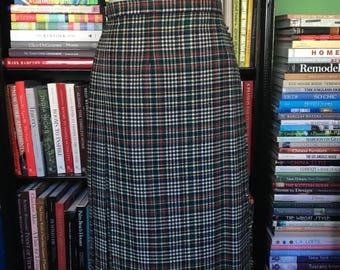 Vintage Kilt // 1980s plaid skirt// 1980s skirt