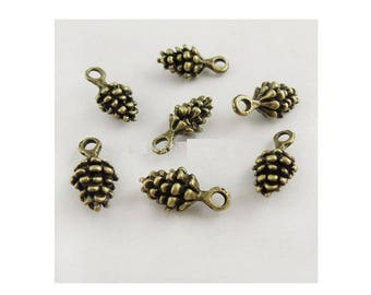 SET of 10 Pine Cone charms bronze (S18)