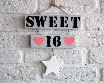 Wooden text sign ' Sweet 16 '