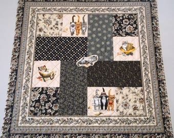 "Beach Kitties Quilt, 34"" x 34"", Patchwork, Machine Pieced, Appliqued & Quilted, Cotton Fabrics, Table Topper, Wall Hanging Sleeve"