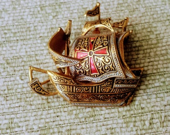 Vintage Columbus Ship Pin/Spanish Galleon Pin/Maltese Cross Pin/Gold and Enamel Pin/Collectable Gold Pin/Gift For Her/No.099