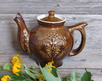 Vintage ceramic teapot, handmade kettle for tea, 2L teapot