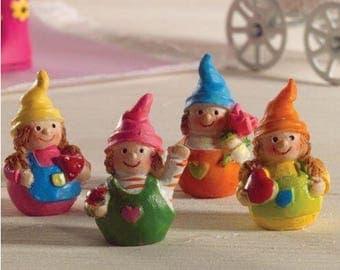 Dollhouse Miniature Wibbly Wobbly Dolls 4 Pcs. 1:12 Scale