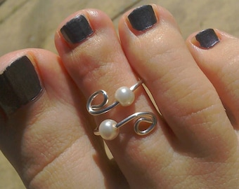 Glass pearl June Birthstone double toe ring in silver plate