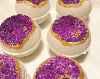Purple Geode bath bomb