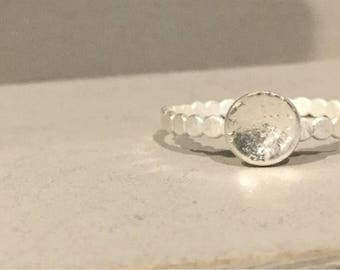 Silver ring with edge and worked structure Bowl