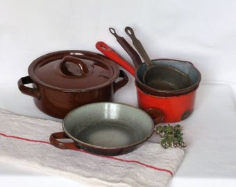 Vintage French enamel tureen / vintage enamelware pans / metal containers / vintage kitchenware / enamel dish / Vintagefr.