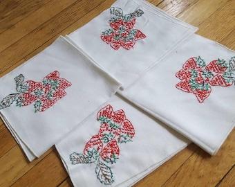 Set of 4 Vintage Hand Stitched Strawberry Cloth Napkins