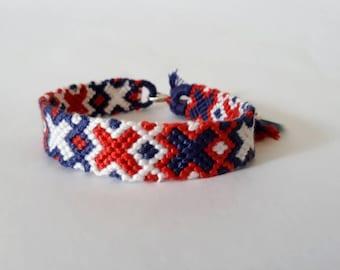 model: kriss kross (friendship bracelet 12 DMC thread)