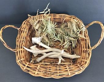 Vintage wicker basket with handles