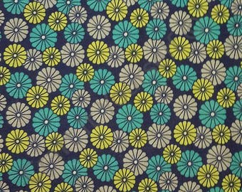 floral daisies navy 100% cotton fabric 44 inch / 110cm floral sketch range