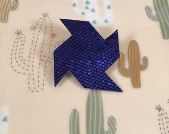 Glitter blue windmill brooch