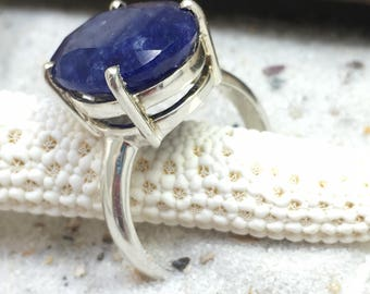 Sterling Silver Ring with big Lapis Lazuli Stone / gemstone ring / natural untreated gemstone