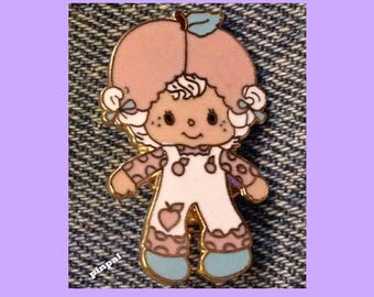 Vintage 1981 Apricot Brooch Pin ~ Cloisonne ~ A.G.C. ~ Strawberry Shortcake Set ~ © American Greeting Cards