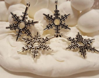 Antiqued Silver Snowflake (3)