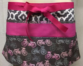 Teacher Apron with 6 pockets also is the perfect half apron for Wait Staff, Sales Staff, Gardening or vendors.