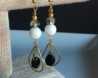 Onyx & White Agate Dangle Earring