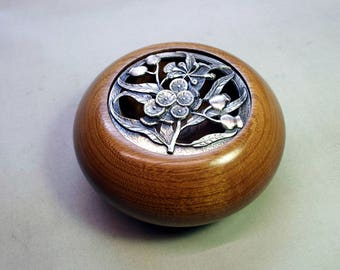 Wooden Potpourri Bowl.