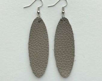Oval Leather Earrings/Gray/The Blair