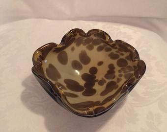 Vintage art glass ashtray/ trinket dish