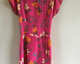Vintage 80's Romantic Summer Fucsia Yellow Blue Floral Patterned Dress