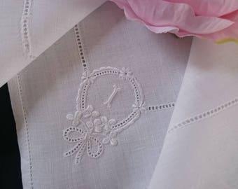 "Beautiful Vintage Irish linen monogram ""I"" hand embroidered hankie handkerchief Shamrocks wedding bridal"