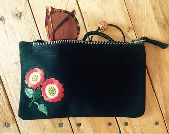 Kit JACOTTE makeup black embroidered flowers