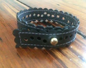 Rubber perforated skinny bracelet