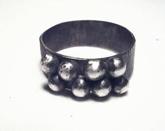 Pebbles. Oxidized silver ring