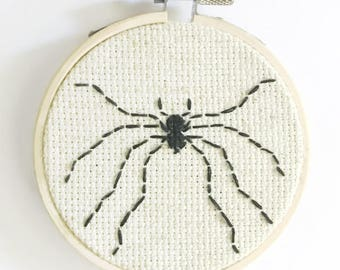 Itsy Bitsy Spider / Arachnid / Insect Hoop Art