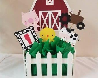 Farm barnyard animals Centerpiece, Little farm centerpiece,Charlotte's Web birthday party, Farm house party decorations