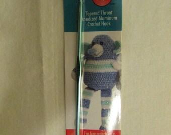 "17-0703 Boye Tapered Throat Aluminum Crochet Hook US E or 3.5 mm. / 6"" Aluminum Crochet Hook / Crochet Hook / Yarn Sewing / Crocheting Craft"