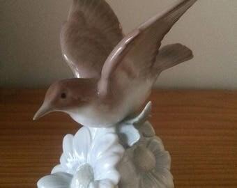 "Lladro Rare ""Fluttering Nightingale"" 1981 #1244"