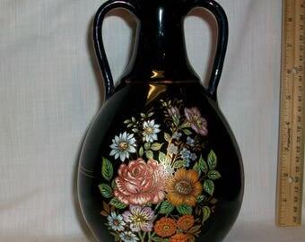 Listing 086 is a Vintage hand made greece vase in 24kt gold trim