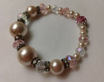 Pink and White Pearl and Glass bead stretch bracelet