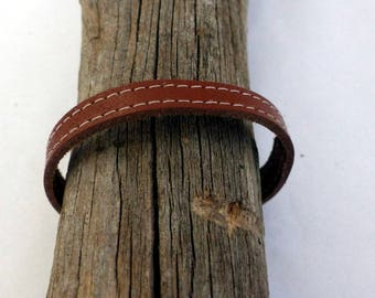 Bracelet genuine leather and stitched