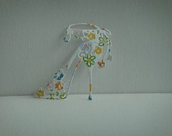 Cut out heel with small flowers for creating paper flowers