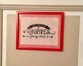 Embroidered frame theme: smiles!