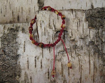 Macrame bracelet Burgundy color with Pearl - Ref.bmp001 inserts